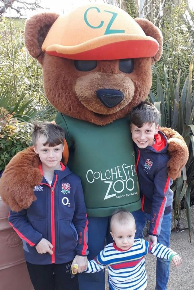 boys zoo